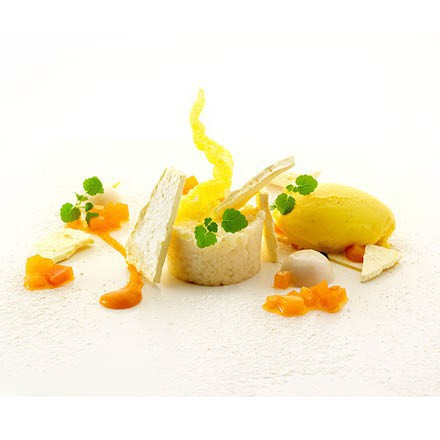 Rice pudding with cracker saffron