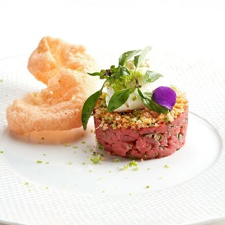 Belgian Blue tartare with Cracker Smoked Pepper